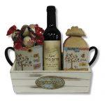 מארז שפע עם יין ספל ממרח אגוזים ופרלינים