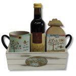 מארז שפע עם יין ספל וקופסת פרפר